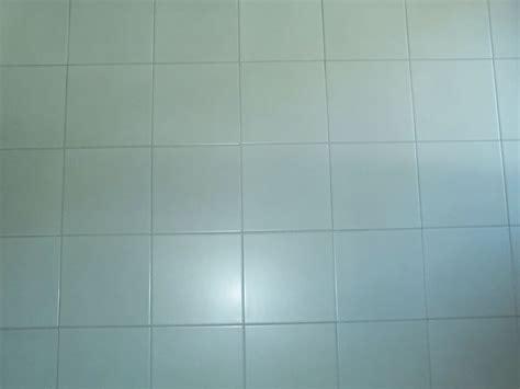 piastrellare un pavimento piastrellare rivestimenti suggerimenti su come