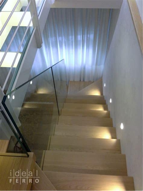 scala con ringhiera in vetro scala sospesa idealferro