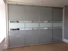 Wardrobe idea come with gray interior with white wardrobe design