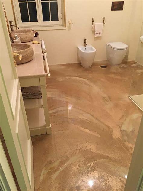 pavimento in resina bagno simple pavimento bagno in resina dorata zoom in continua a