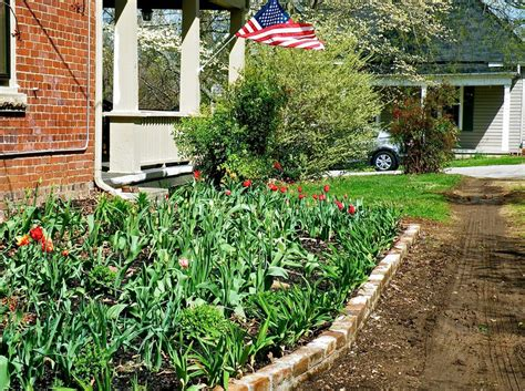 edging for flower beds best flower bed edging how to make a flower bed edging