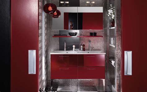 Charmant Salles De Bains Modernes #7: Salle-bain-moderne-design-rouge-argent.jpg