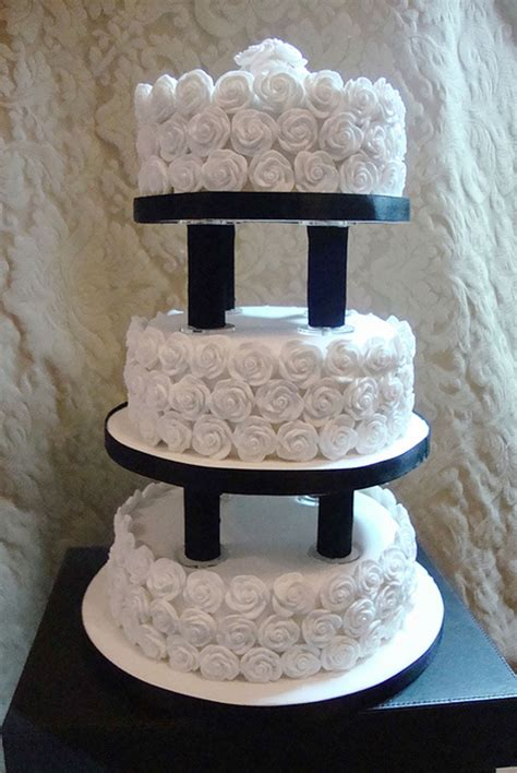 Wedding Cake Plates by Wedding Cake Pillars And Plates Wedding Cake Cake Ideas