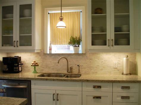 Kitchen Backsplash Ideas With Santa Cecilia Granite kerami ke plo ice izme u kuhinjskih elemenata 32 ideje