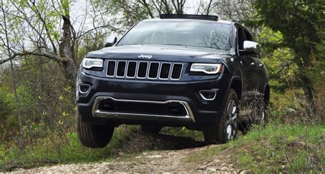 2016 jeep grand cherokee off road 2014 jeep grand cherokee shows its trail rated skills off