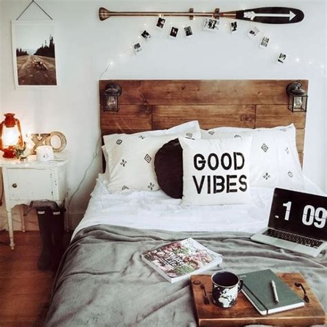 Awesome College Dorm Headboard To Know