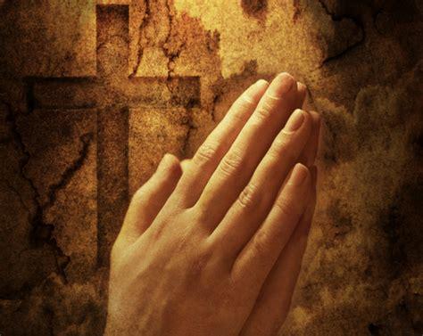 imagenes cristianas manos orando ateismo para cristianos la farsa de la oraci 243 n lo