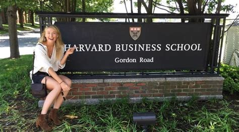 Mba From Harvard Eligibility For Indian Students by Sharapova Enrolls At Harvard Business School The