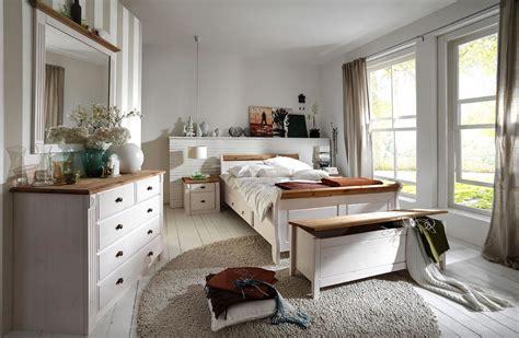 schlafzimmer landhausstil komplett massivholz schlafzimmer komplett set wei 223 gelaugt landhausstil