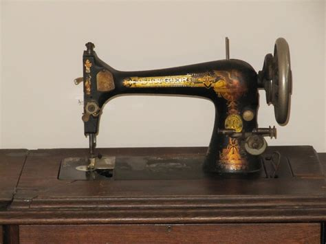 Value Of Antique Singer Sewing Machine In Cabinet