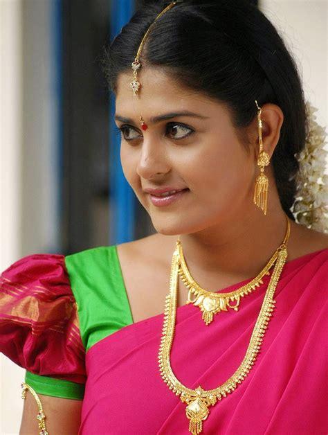 telugu new photos telugu new 2014 actress manjulika beautiful saree hd