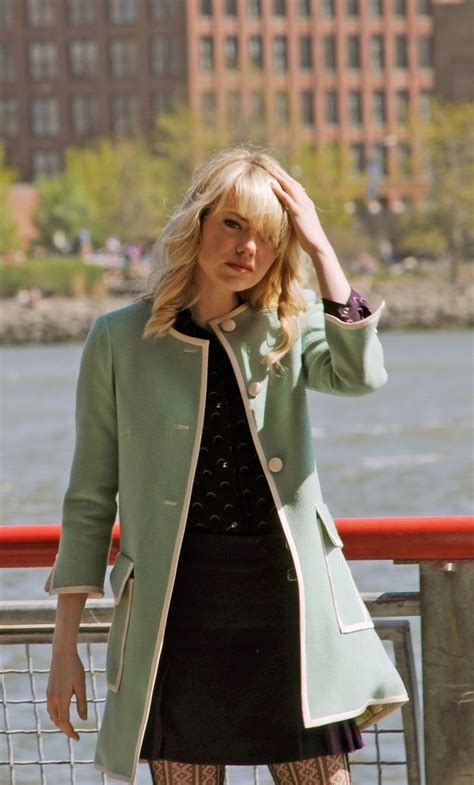emma stone gwen stacy sparklife 187 from katniss cowl to gwen stacey s coats