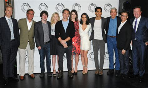 the news room cast the newsroom season 2 to tackle election trayvon martin and more tv fanatic
