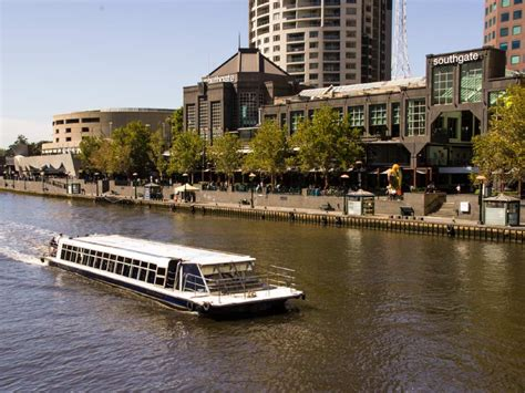 melbourne highlights tour with river cruise and lunch - Boat Launch Yarra River