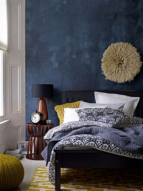 navy blue room accents interiors b a s blog deep blue accent wall in modern eclectic bedroom