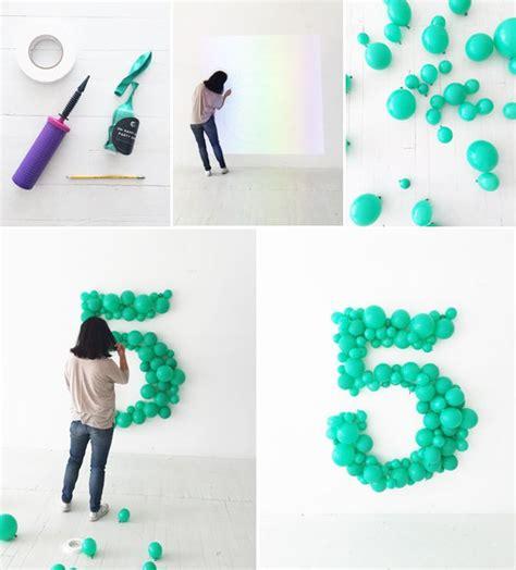 como decorar globos de numeros las 25 mejores ideas sobre cumplea 241 os en y m 225 s