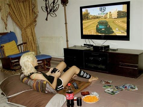 hot girl themes xbox 360 watch us play games