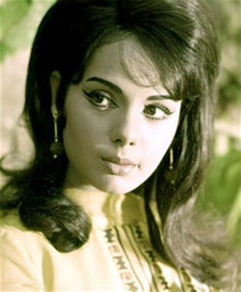 biography film actress mumtaz mumtaz bollywood actress wallpapers download free