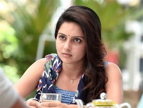 superstar heroine photos saatai heroine stars with malayalam superstar