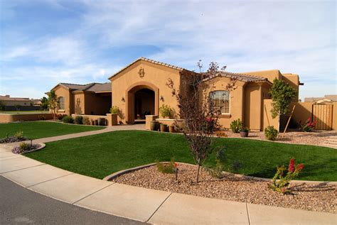 Custom Home Builders Az by Arizona Custom Home Builders Use Grass