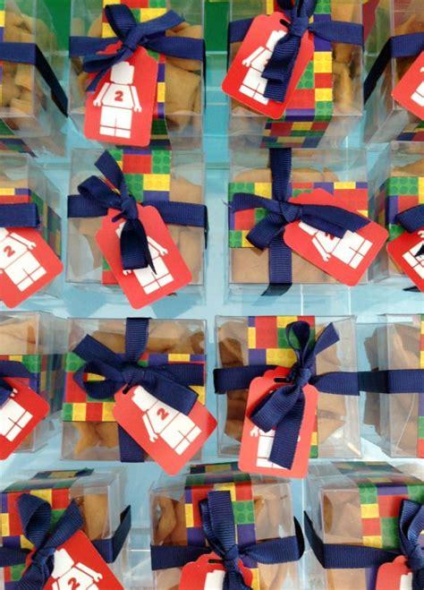 decoracion lego cumpleaños m 225 s de 1000 ideas sobre dulces de lego en