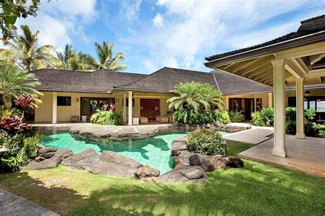 obama new house in hawaii take a peek at obama s holiday home in hawaii o s for obama
