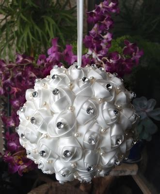"6"" White Satin Kissing Ball w/Rhinestone and Pearls"