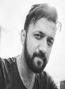 Darshit Nayak Songs Lyrics, Albums & Videos - LyricsBogie