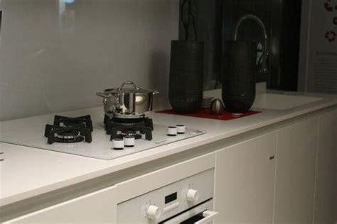 come pulire il piano cottura come pulire il piano cottura in acciaio inox vetro o a