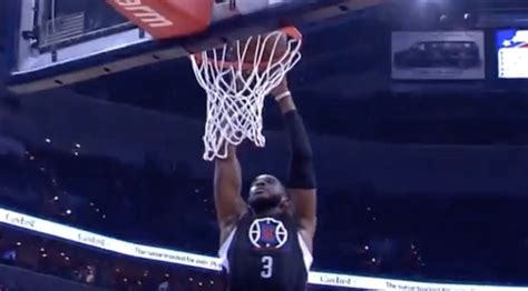 chris paul bench press watch chris paul dunk and appeal to the clippers bench for