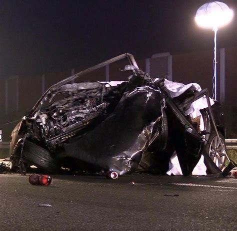 Audi A4 Unfall by Nordrhein Westfalen Vier Tote Bei Verheerender