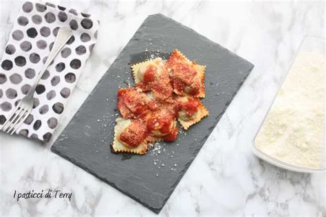 ravioli di zucca mantovani pasta fresca ravioli mantovani di zucca