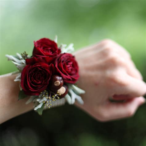 Mini Dress Bohemian White Flower Ink L Import Original Winter Roses These Wrist Corsages Will Make You Rethink