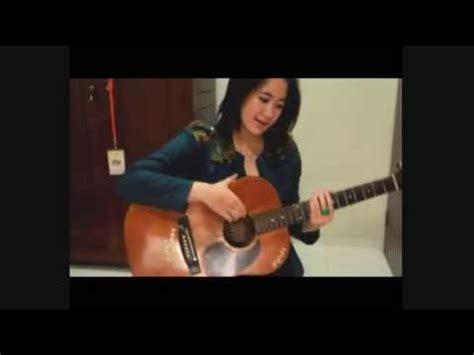 belajar kunci gitar gebi tinggal kenangan akustik gitar belajar lagu tinggal kenangan gaby