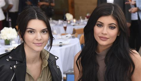 guardarropa de kendall jenner kendall kylie jenner furious with kris jenner as she