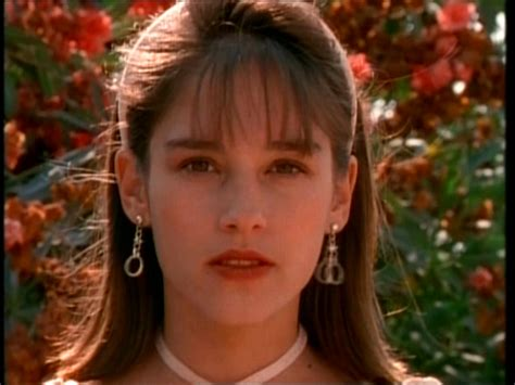 The Temple Of Amy Jo Johnson Alt Binaries Pictures Celebrities