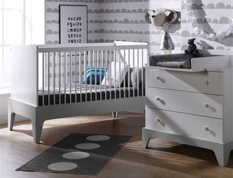 chambre bebe gris clair chambre b 233 b 233 mini commode lit plan 224 langer