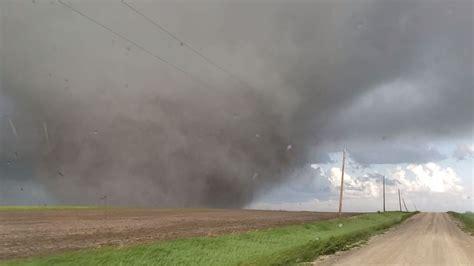 tornadoes  damage  injuries