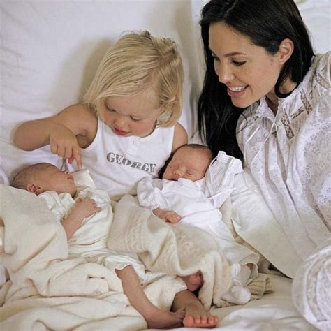 Brangelina And Baby Makes Six by Sa Fille Shiloh Veut Changer De Nom
