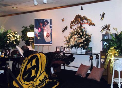 dead man in recliner at funeral home taking pictures funerals page 2 the ill community