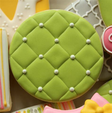 quilting fondant tutorial quilted royal icing the sweet adventures of sugar belle