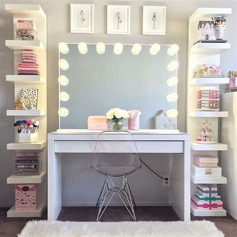 Apartment Theme Ideas 25 Best Ideas About Room On Pinterest Makeup Vanity Tables Desk To Vanity Diy And