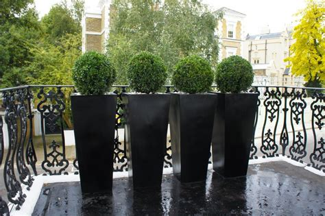 Diy Home Decorating Blog by 13 Topiary Planter Ideas That Will Have You Priming Your