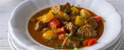 cucina tipica tedesca ricetta gulash alla tedesca agrodolce