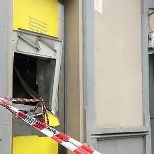 ufficio postale pinerolo luserna assalto con l esplosivo al bancomat delle poste
