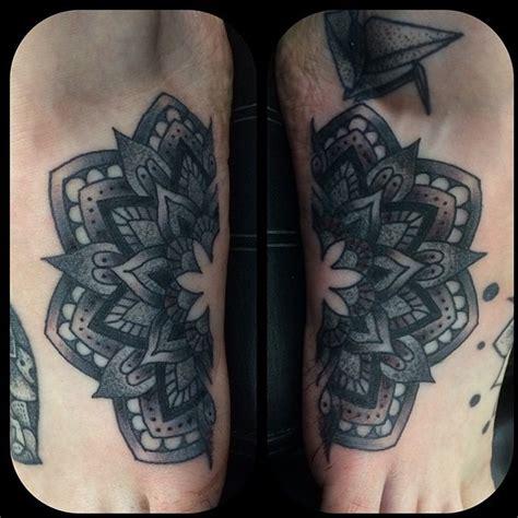 mandala tattoo glasgow one half of the mandala done on the outside of both feet