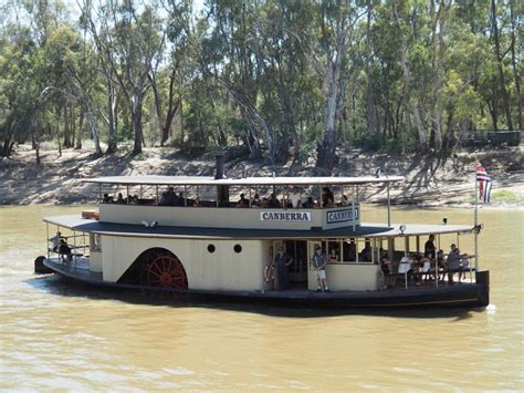 paddle boats canberra echuca paddle steamer adventures murray river cruises