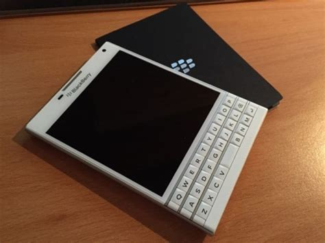 Harga Bb The Shop Di Indonesia cek harga blackberry passport 32gb putih lengkap