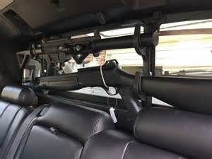 2007 chevy avalanche gun rack in rear window gsg522 and