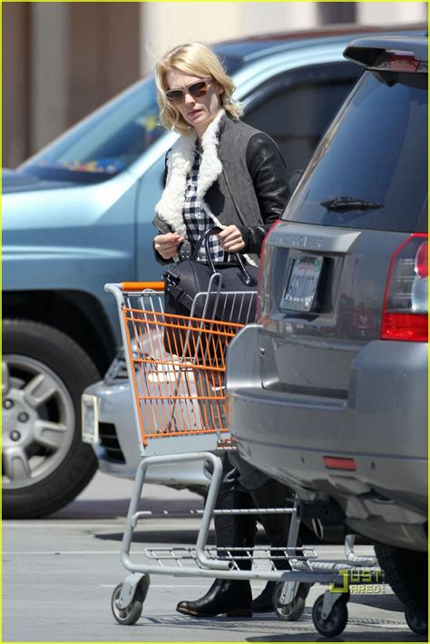 run home depot january jones home depot run photo 2534517 january jones pictures just jared